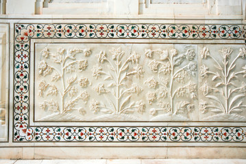 Beautiful marble carvings on famous mosque Taj Mahal, Agra