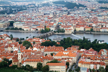 Vista di Praga dalla torre di Petrin