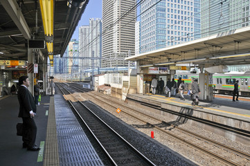 gare d'akabanebashi sur la yamanote tokyo japon