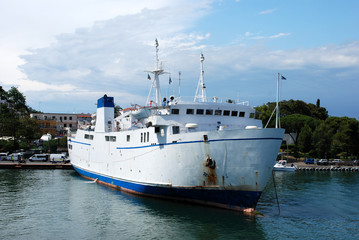 Traghetto passeggeri ad Ischia