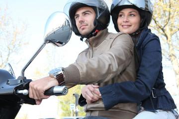Couple en sortie moto