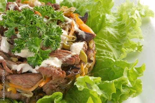 Фото салатов с жареной свининой