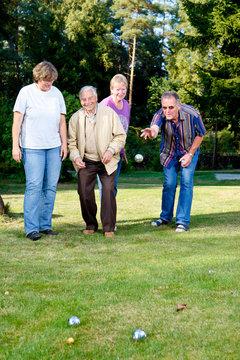 Boule Spiel im Garten