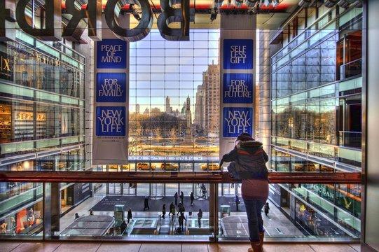 Interno di Centro Commerciale Americano