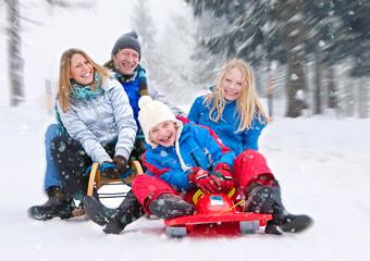 family-snow-fun 01