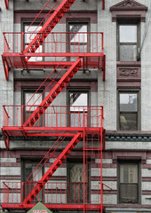 rote Feuertreppe