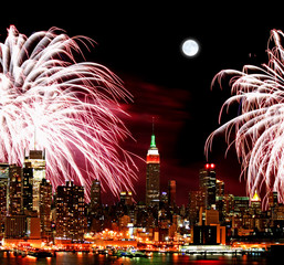 Poster Full moon The New York City skyline and fireworks