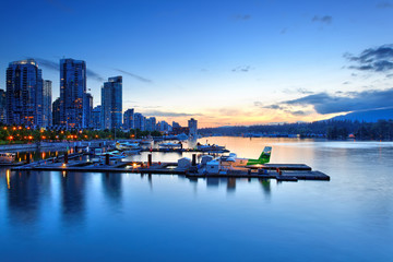 Vancouver Coal Harbour am Abend, Kanada