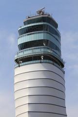 Höchster Flugsicherungstower in Europa (109 m)