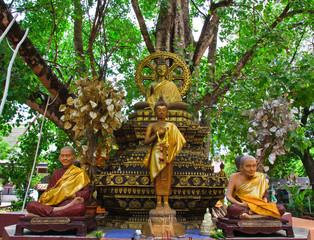Images under Prasrimahabhodi tree