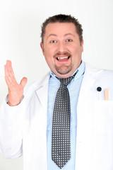 Portrait d'un médecin souriant
