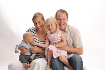 Mutter, Vater und zwei Kinder 1