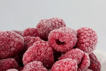 Frozen rasberries / Gefrorene Himbeeren