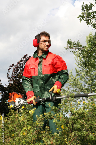 S curit et protection d 39 un jardinier paysagiste photo for Tarif jardinier paysagiste