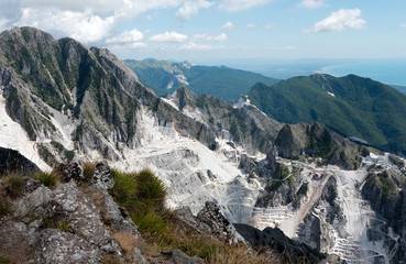 Scenic Italy - Carrara marble quarries and coast