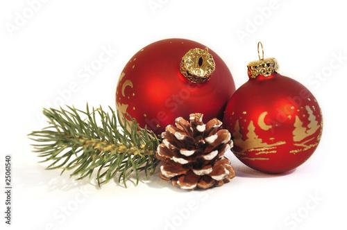 Rote weihnachtskugeln stockfotos und lizenzfreie bilder auf bild 25061540 - Bilder weihnachtskugeln ...