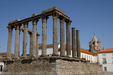 Portugal, temple romain à Evora