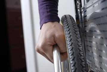 close-up sr main de personne handicapé