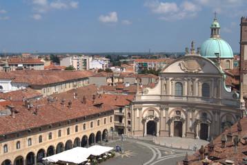 vista su piazza ducale