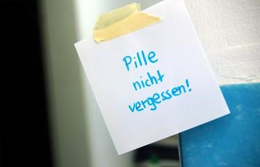 """Zettel am Spiegel """"Pille nicht vergessen"""""""