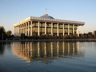 Tashkent Majlis building 2007