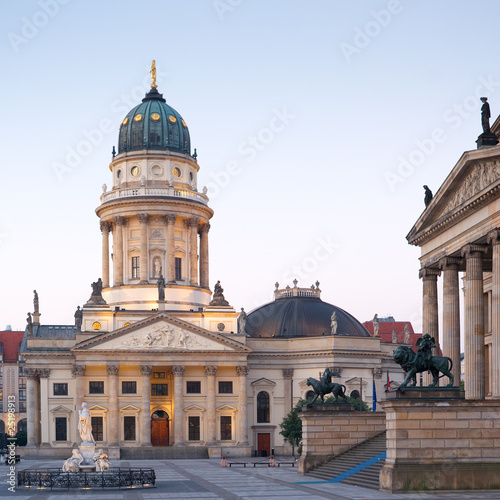 deutscher dom gendarmenmarkt berlin stockfotos und lizenzfreie bilder auf bild. Black Bedroom Furniture Sets. Home Design Ideas