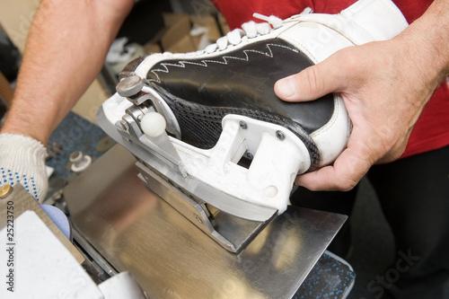 """""""Skate sharpening machine"""" Stok Gorseller ve Telifsiz gorseller Fotolia.com 'da - Fotograf 25223750"""