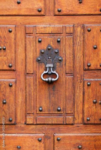 Heurtoir de porte d 39 entr e photo libre de droits sur la - Heurtoir de porte d entree ...