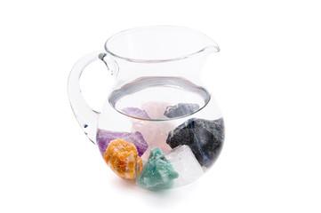 Wasserkrug mit Edelsteinen