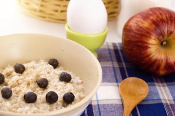 breakfast with oatmeal