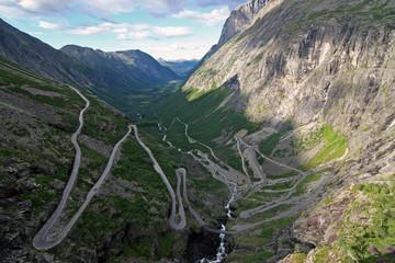 Trollstiegen - Blick ins Tal