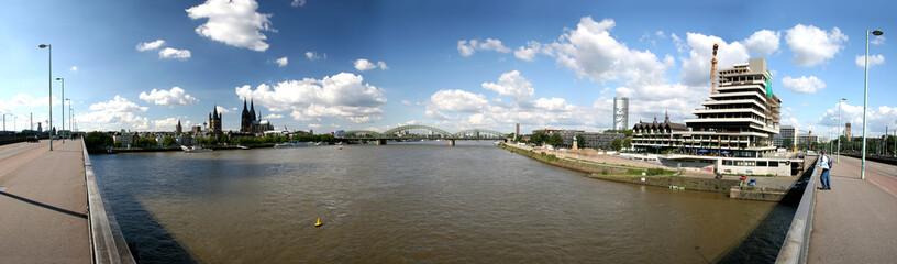 Kölner Panorama mit Rhein, Altstadt, Kölner Dom