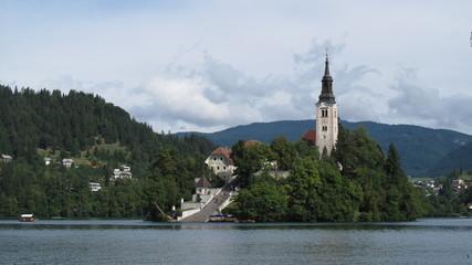 Eglise et chateau à Bled