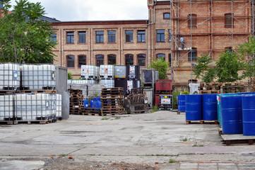 lagerplatz chemiebetrieb