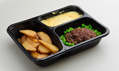 school lunch meal cafeteria take-away hospital