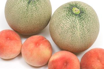 桃とメロン
