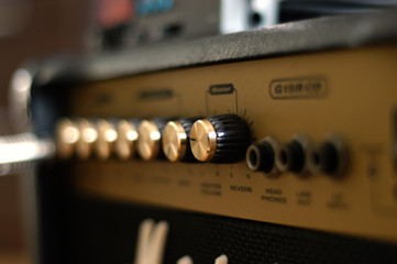 amp volume and tone