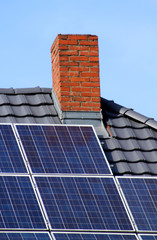 Solarzellen auf Hausdach II
