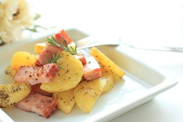 Potato and bacon's herb sauteed
