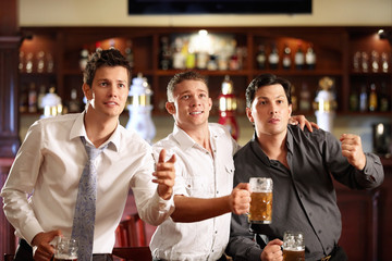 Fans at the bar