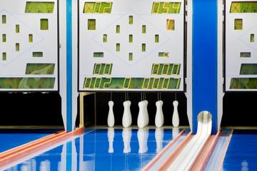 New setup of bowling ninepins and scoreboard