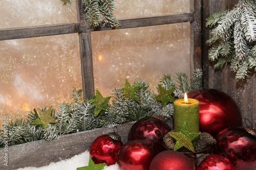 fensterschmuck f r weihnachten stockfotos und. Black Bedroom Furniture Sets. Home Design Ideas