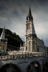 Clochers de Notre Dame du Rosaire à Lourdes