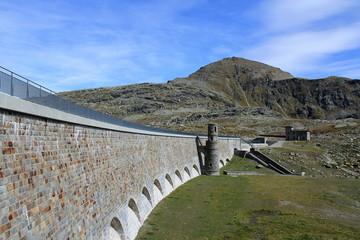Staumauer Lago Bianco