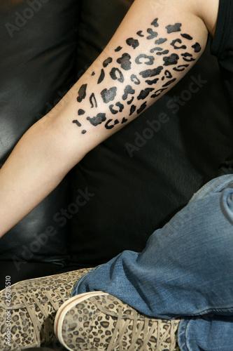 leopardenmuster tattoo stockfotos und lizenzfreie bilder auf bild 26785510. Black Bedroom Furniture Sets. Home Design Ideas