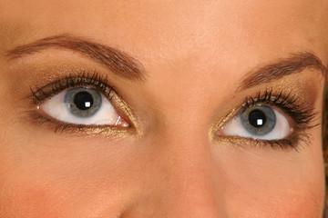 Augen einer hübschen Frau