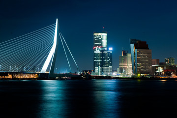 Photo sur Aluminium Rotterdam Rotterdam by night