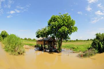 fisherman hut in cambodia
