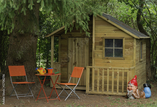 cabane de jardin pour enfants photo libre de droits sur la banque d 39 images image. Black Bedroom Furniture Sets. Home Design Ideas