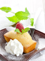 Kuchen mit Sahne
